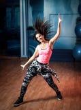 Hembra del entrenamiento de la danza de Zumba Imagen de archivo