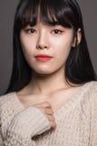 Hembra del estudio de 20 mujeres asiáticas tristes Foto de archivo libre de regalías