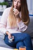 Hembra en dieta de la diabetes Imágenes de archivo libres de regalías