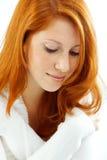 Hembra hermosa con el pelo rojo Imagen de archivo libre de regalías