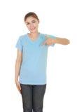 Hembra hermosa joven con la camiseta en blanco Fotografía de archivo libre de regalías