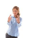 Hembra joven feliz con los dedos cruzados foto de archivo libre de regalías