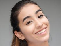 Hembra linda sonriente del adolescente Fotos de archivo