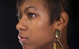 Hembra negra joven atractiva fotos de archivo libres de regalías