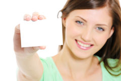 hembra que muestra la tarjeta del bussiness Fotos de archivo libres de regalías