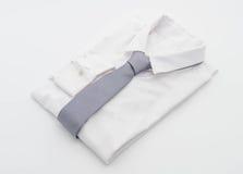 Hemd mit Krawatte Stockfotos