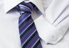 Hemd und Gleichheit lizenzfreie stockfotografie
