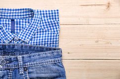 Hemd und Jeans Lizenzfreies Stockfoto