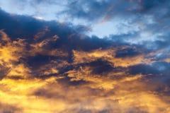 Hemel bij zonsondergang Stock Afbeeldingen