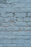 Hemel blauwe verf op oude bakstenen muur royalty-vrije stock foto