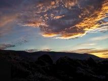 Hemel boven heuvels stock foto's