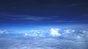 Hemel in de loop van de dag, op het vliegtuig wordt genomen dat stock video