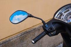 Spiegel Voor Fiets : De spiegel van de fiets stock afbeelding afbeelding bestaande uit