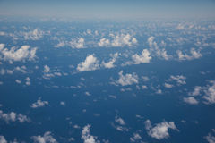 Hemel en kleine wolkenachtergrond Royalty-vrije Stock Fotografie