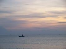 Hemel en water bij zonsondergang Stock Fotografie
