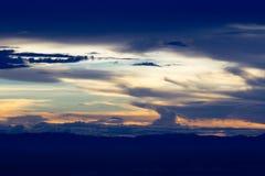 Hemel en wolk in zonsondergang Stock Fotografie