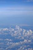Hemel en wolken op vliegtuigmening Royalty-vrije Stock Foto
