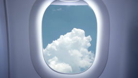 Hemel en wolken van het vliegtuig stock videobeelden