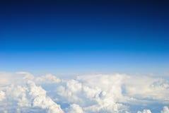 Hemel en wolkenachtergrond Royalty-vrije Stock Foto's