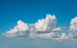 Hemel met het meest bewolkte wolk, Royalty-vrije Stock Afbeeldingen