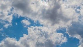 Hemel met witte wolk royalty-vrije stock fotografie