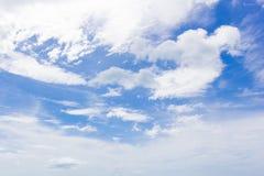 Hemel met witte wolken Stock Fotografie