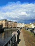 Hemel met wolken, architectuur stock afbeelding