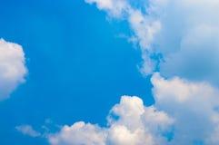 Hemel met Wolkenachtergrond Royalty-vrije Stock Foto's