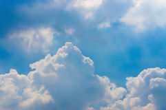 Hemel met Wolkenachtergrond Stock Afbeelding