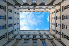 Hemel over stad Stock Afbeelding