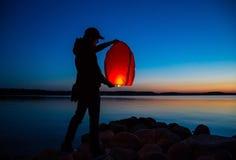 Hemel vliegende lantaarn stock afbeelding