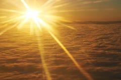 Hemel, zonsondergangzon en wolken Royalty-vrije Stock Fotografie