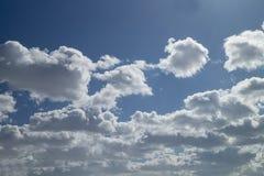 Hemellandschap met witte wolk Royalty-vrije Stock Fotografie