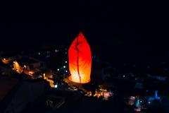 Hemellantaarns, vliegende lantaarns, drijvende lantaarns, luchtballonnen Royalty-vrije Stock Foto