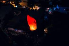 Hemellantaarns, vliegende lantaarns, drijvende lantaarns, luchtballonnen Royalty-vrije Stock Fotografie