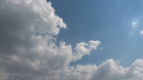 Hemels Sunny Sky Clouds Time Lapse stock footage