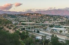 Hemelse Vallei en San Gabriel Mountains bij zonsondergang stock afbeeldingen