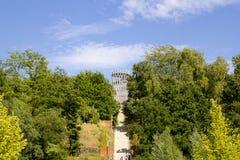 Hemer, Sauerland, el Rin del norte Westfalia, Alemania - 16 de agosto de 2013: El bergturm icónico del ¼ de la torre JÃ de Landes Fotografía de archivo