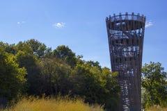 Hemer Sauerland, norr Rhen Westphalia, Tyskland - Augusti 16 2013: Den iconic bergturmen för ¼ för tyskLandesgartenschau torn JÃ royaltyfri bild