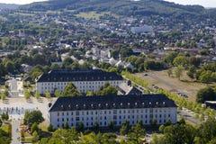 Hemer, Sauerland, Renania settentrionale-Vestfalia, Germania - 16 agosto 2013: Vista panoramica sopra la città di Hemer durante l immagini stock