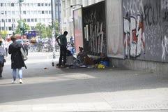 HEMLÖS I BERLIN GRMANY Royaltyfri Foto