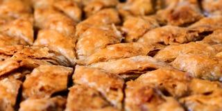 Hemlagad baklava - söt bakelse 02 för turkisk filo Arkivbild