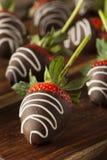 Hemlagad choklad doppade jordgubbar Royaltyfri Bild