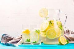 Hemlagad drink för lemonad royaltyfri bild