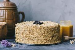 hemlagad honung för cake fotografering för bildbyråer