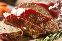 Hemlagad jordnötköttköttfärslimpa Arkivfoton