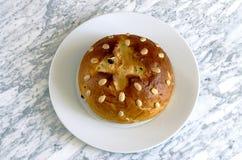 Hemlagad kaka med mandlar Fotografering för Bildbyråer