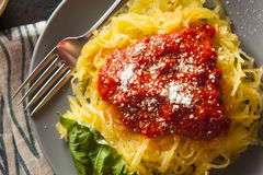 Hemlagad lagad mat pasta för spagettisquash Royaltyfri Fotografi