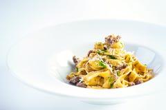 Hemlagad pasta med nötkött Royaltyfri Foto