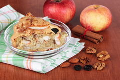 hemlagad pie för äpple Arkivfoton